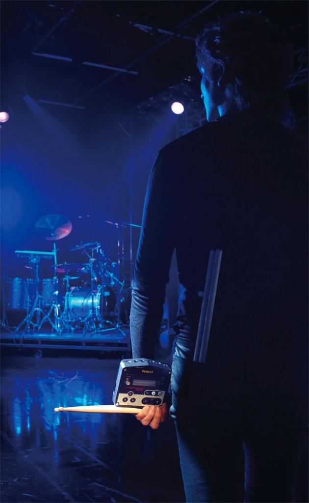 tm-2_drummer_gal